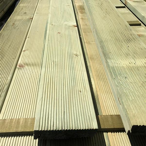 Deck terasa din lemn de pin impregnat 4000 x 140 x 20 mm